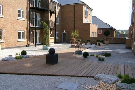 Maple Gardens, Upper High Street, Epsom, KT17 4QR. 1 bedroom flat