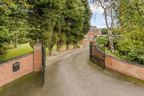 Roman Lane, Little Aston Park. 5 bedroom detached house