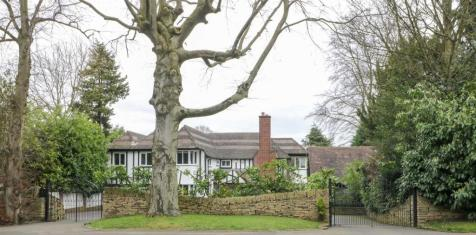 Lichfield Road, Sutton Coldfield. 5 bedroom detached house