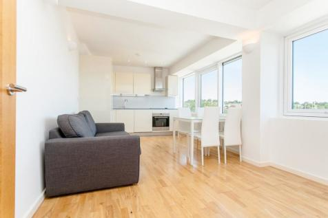 766 Holloway Road, London, N19. 2 bedroom flat