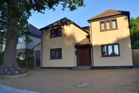 Buckhurst Way, East Grinstead, West Sussex. RH19 2AF. 5 bedroom detached house