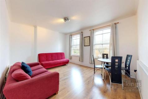 Chatsworth Road, London, E5. 7 bedroom terraced house for sale