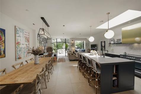 Macfarlane Road, London, W12. 5 bedroom terraced house