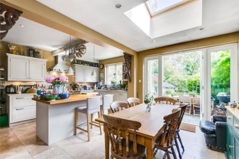 Findon Road, London, W12. 4 bedroom terraced house for sale