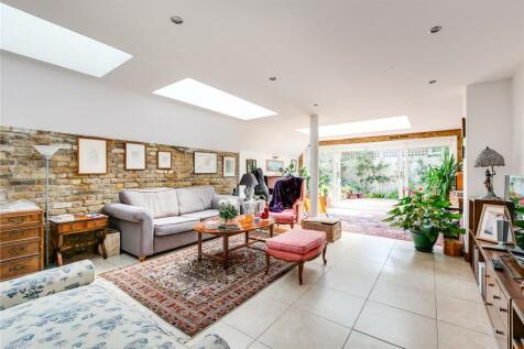 Bute Gardens, London, W6. 4 bedroom terraced house