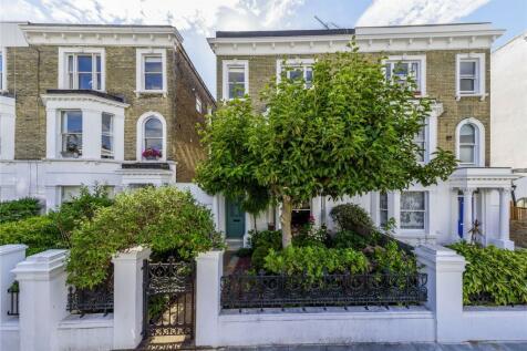 Boscombe Road, London, W12. 5 bedroom terraced house