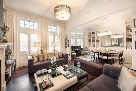 Fitzjames Avenue, London, W14. 4 bedroom apartment for sale