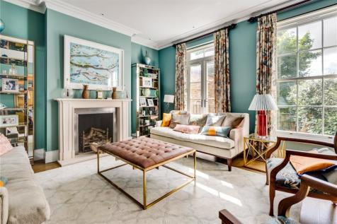 Hammersmith Grove, Hammersmith, London, W6. 4 bedroom end of terrace house