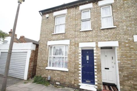 Bedford. 2 bedroom end of terrace house for sale