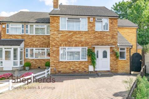 Dudley Avenue, Waltham Cross, Hertfordshire. 4 bedroom semi-detached house for sale