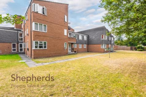 Claire Court, Cheshunt, Hertfordshire. 2 bedroom flat