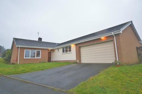 College Lane, Wellington. 4 bedroom bungalow