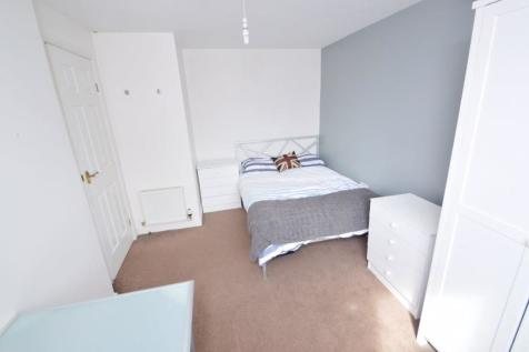 Yew Tree Road, Manchester. 3 bedroom house