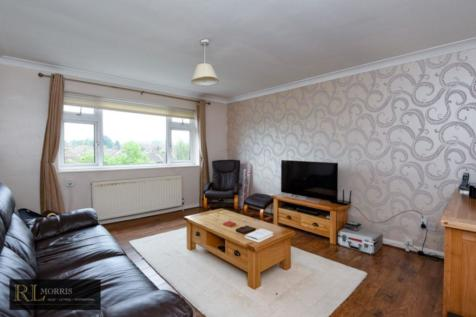 Durham Avenue, Woodford Green, IG8. 2 bedroom apartment