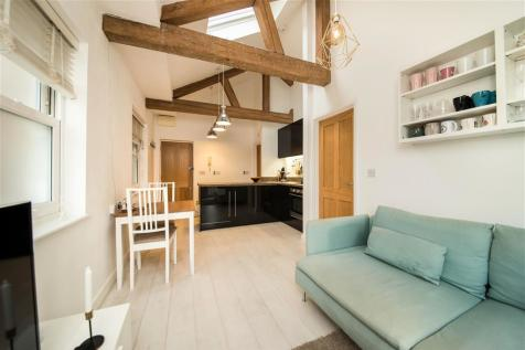 Burleigh Road, ST. ALBANS. 1 bedroom apartment