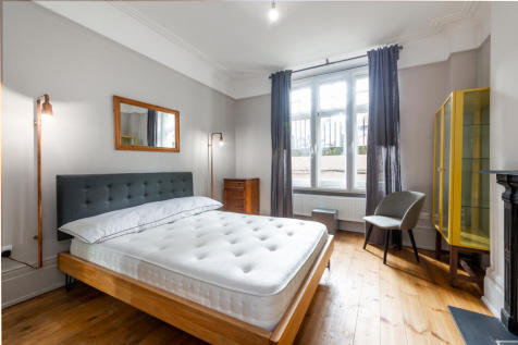 Dulverton Mansions, 168 Gray's Inn Road, London, WC1X. 1 bedroom apartment