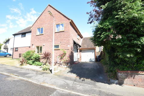 Tabor Road, Colchester, CO1 2XA. 4 bedroom semi-detached house