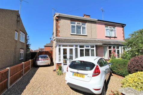 Catchpool Road, Colchester, CO1 1XN. 3 bedroom semi-detached house