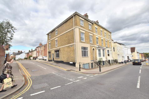 East Hill, Colchester, CO1 2QN. 6 bedroom end of terrace house
