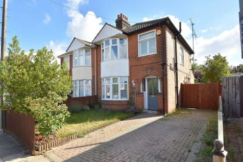 Park View Road, Ipswich IP1 4HP. 3 bedroom semi-detached house for sale