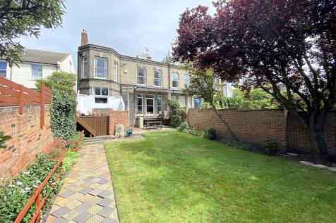 Ipswich - Fenn Wright Signature. 5 bedroom semi-detached house for sale