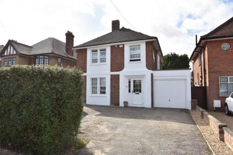 Valley Road, Ipswich IP1 4PD. 4 bedroom detached house