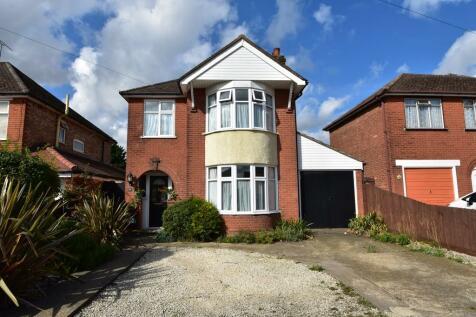 Beechcroft Road, Ipswich IP1 6BE. 3 bedroom detached house