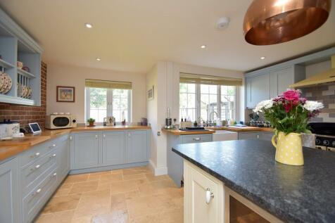 Henley Road, Ipswich IP1 6TE. 4 bedroom semi-detached house for sale