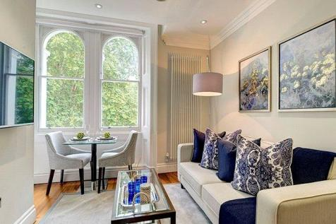Kensington Gardens Square, London, W2. 1 bedroom apartment