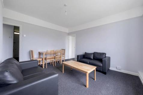 Currie House, SW2. 2 bedroom flat