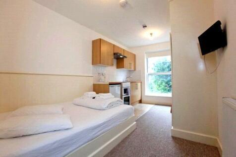 Belsize Square, Belsize Park, London, NW3. Studio apartment