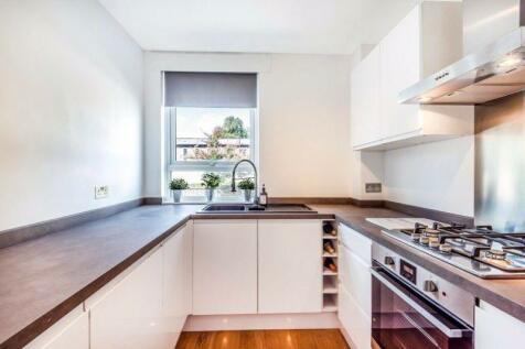 Wincott Street, London. 1 bedroom flat