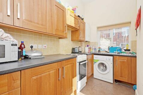 23 Harefield Road, Sheffield, S11. 5 bedroom terraced house