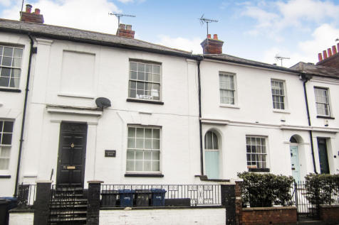 East Street, Farnham, Surrey, GU9. 2 bedroom apartment