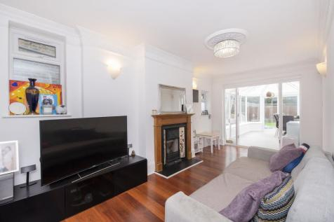 Inglis Road, W5. 2 bedroom flat