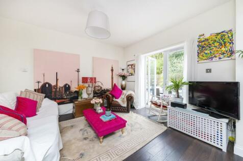 Corfton Road, W5. 2 bedroom flat