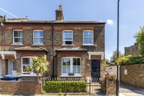 Western Road, W5. 3 bedroom end of terrace house for sale
