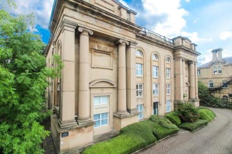 Highfield Court, Huddersfield. 2 bedroom apartment for sale