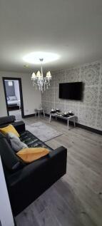 812 Bristol Road, 6 Bedroom, Student Let. 6 bedroom terraced house