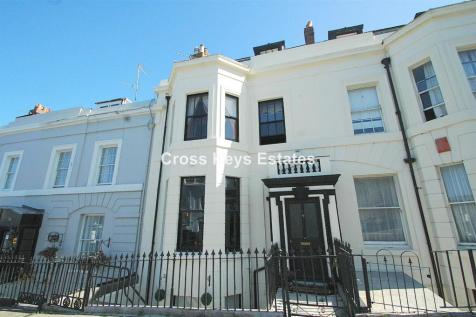 Athenaeum Street, The Hoe. 6 bedroom house