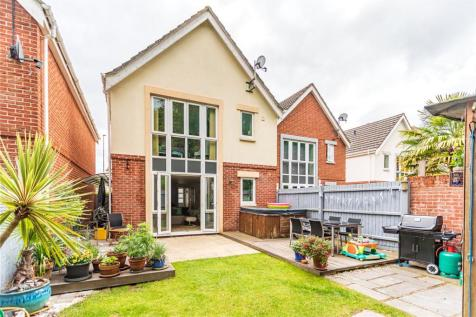Kingsbridge Road, Lower Parkstone, Poole, BH14. 3 bedroom detached house