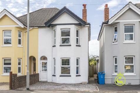 Sandbanks Road, Whitecliff, Poole, Dorset, BH14. 3 bedroom semi-detached house