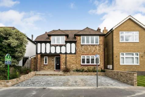Park Drive, Romford, RM1. 3 bedroom detached house for sale