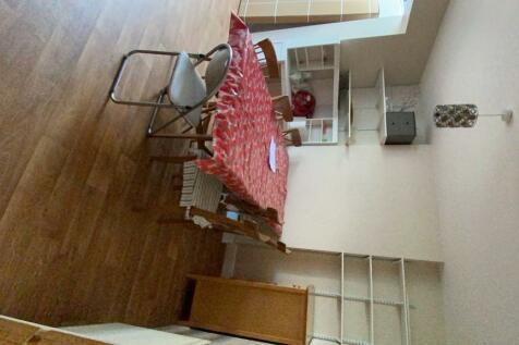 Margaret Road, Colchester, Essex, CO1. 4 bedroom semi-detached house
