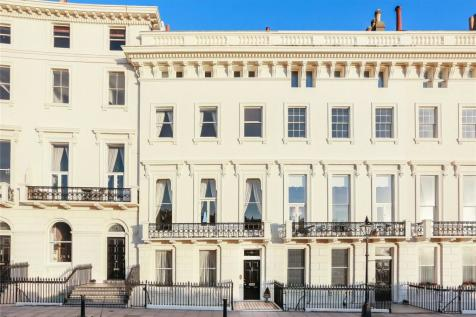 Adelaide Crescent, Hove, East Sussex, BN3. 5 bedroom terraced house for sale