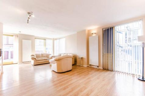 West Parkside, Greenwich Millennium Village, London, SE10. 2 bedroom flat