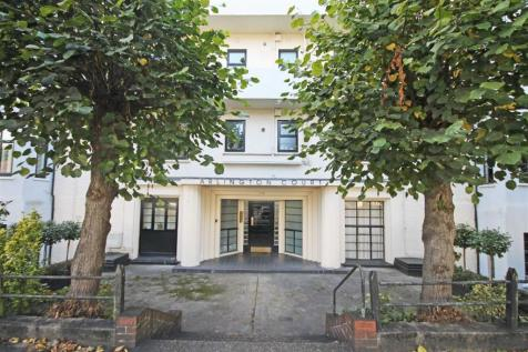 Arlington Road, St Margarets, TW1 2AU, London - Flat / 2 bedroom flat for sale / £485,000