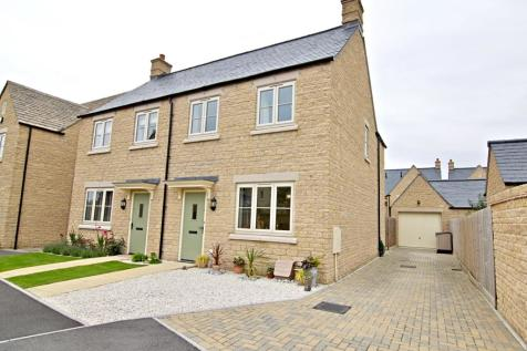Blackbird Close, Bourton-on-the-Water. 3 bedroom semi-detached house