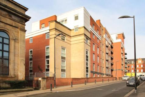 Royal Plaza, 2 Westfield Terrace, Sheffield, South Yorkshire, S1. 2 bedroom flat for sale