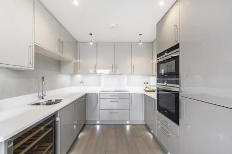 High Road Bushey Heath WD23. 2 bedroom apartment